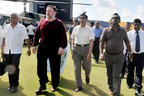 Mahindananda Aluthgamage_with_Mike_Hooper_in_Hambantota