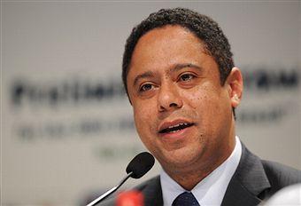 Orlando Silva_at_World_Cup_draw_July_29_2011