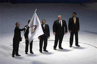 Toronto Mayor_Rob_Ford_takes_PASO_flag_Guardalajara_October_30_2011