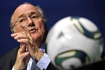 Sepp Blatter_making_a_point_Zurich_October_21_2011