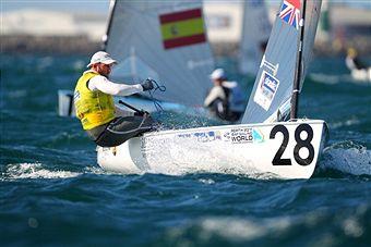 Ben Ainslie_in_action_Perth_December_10_2011
