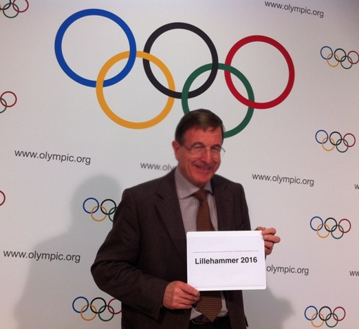Gilbert Felli_announces_Lillehammer_as_2016_Lausanne_December_7_2011