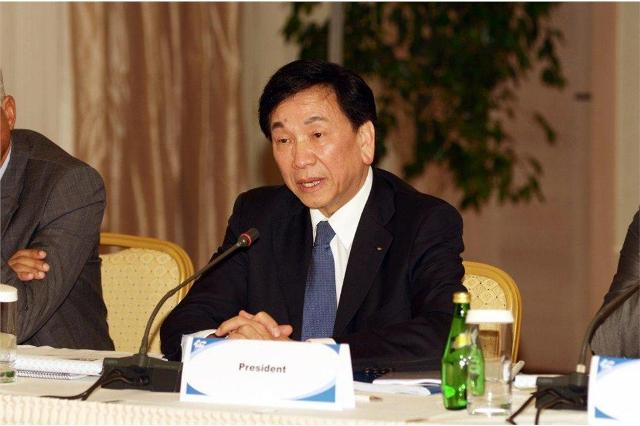 C K_Wu_at_Congress_Baku_September_23_2011