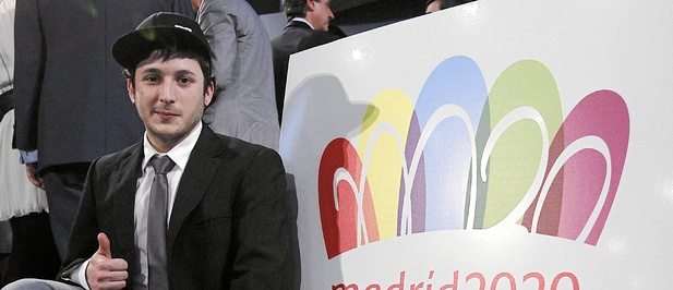 Luis Peiret_with_Madrid_2020_logo