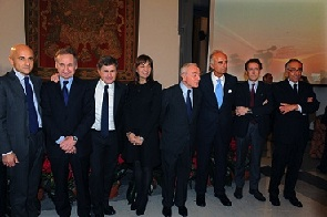 Rome team_present_bid_to_bid_figures_to_PM_Monti_January_12_2012