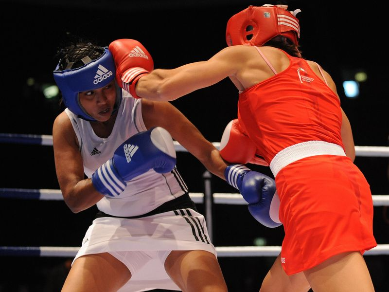 women boxing_in_skirts_17-01-12