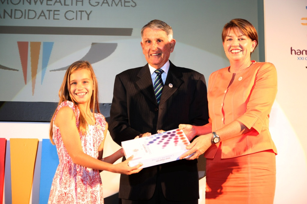 Eve Anna_Bligh_and_Ron_Clarke_at_KL_presentation_May_11_2011