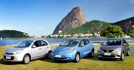Nissan cars_in_front_of_Sugar_Loaf_mountain