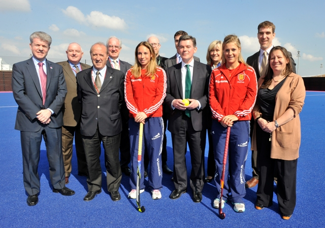 England Hockey_with_Hugh_Robertson_after_being_awarded_Euro_2015