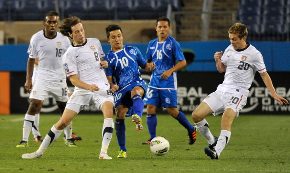 Michael Stephens_20_and_Mix_Diskerud_8_of_the_USA_fight_Jaime_Alas_10_of_El_Salvador_27-03-12