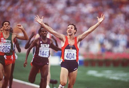 Fermin Cacho_wins_Olympic_1500m_Barcelona_1992