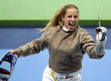 Mariel Zagunis_celebrating_win