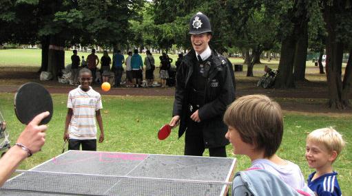 Policeman playing_Ping