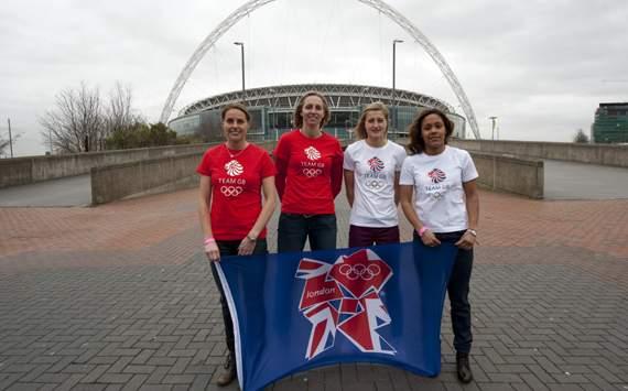Team GB_women_footballers_April_29