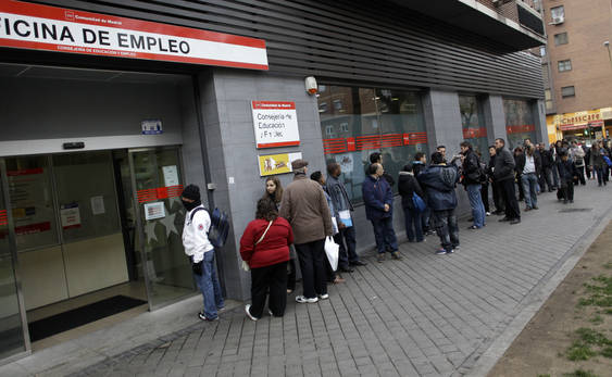 Unemployment queue_in_Spain
