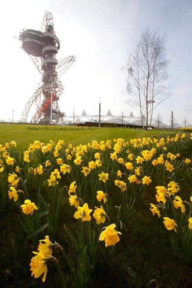 ArcelorMittal Orbit_above_Olympic_Stadium_April_2012