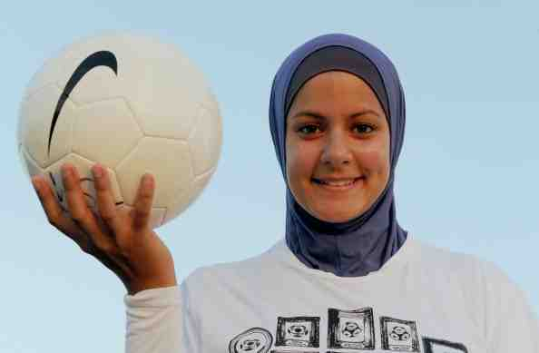 Footballer wearing_hijab_May_3