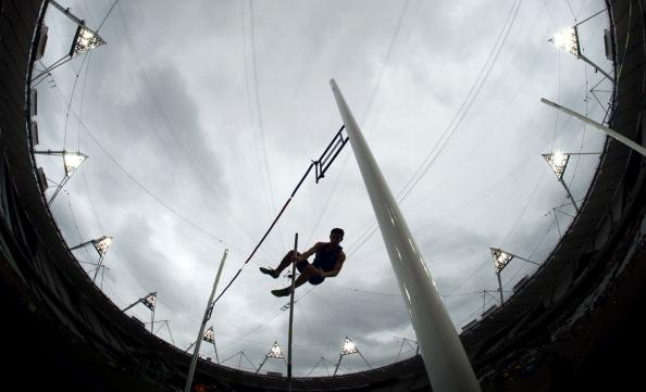 London 2012_Olympic_Stadium_pole_vault_test_event_May_4_2012