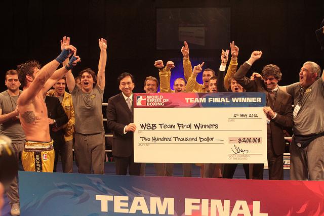 Milano Thunder_celebrate_winning_WSB_Team_Final_London_May_2_2012