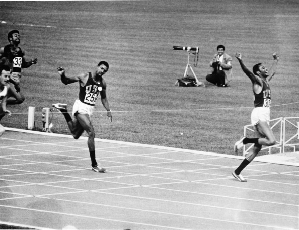 john carlos_and_tommie_smith_mexico_1968_21-05-12