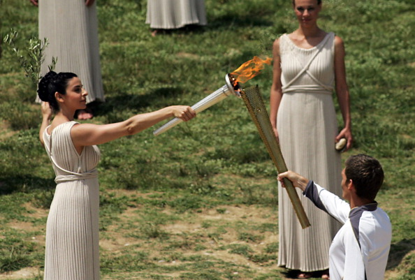 http://www.insidethegames.biz/images/2012/05/london_2012_olympic_torch_lighting_10-05-12.jpg