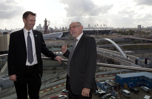 Britains Culture_Secretary_Jeremy_Hunt_L_poses_for_photographs_with_the_Chief_Executive-elect_of_the_Olympic_Delivery_Authority_ODA_Dennis_Hone_13-06-12