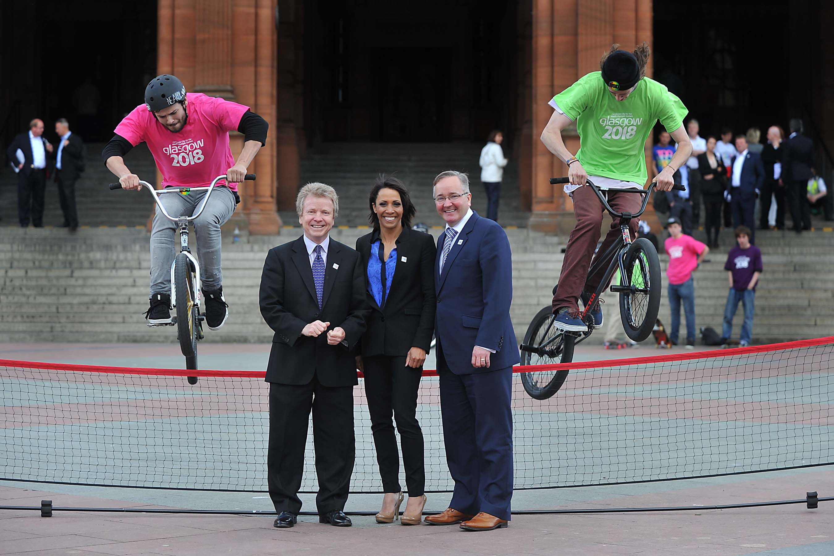 Dame Kelly_Holmes_at_Glasgow_2018_launch_June_19_2012