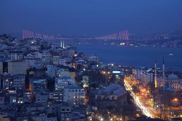Istanbul view_at_night_with_bridge