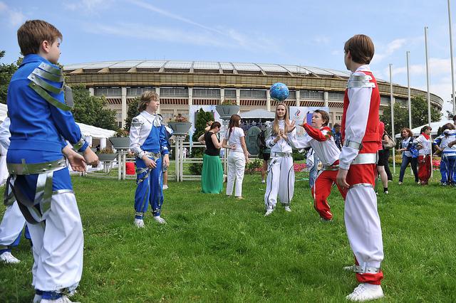 russia celebrates_international_olympic_day_27-06-121111