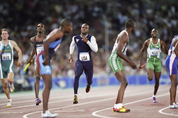 Antonio Pettigrew_in_4x400m_relay_Sydney_2000