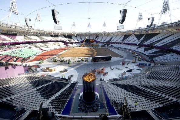 Olympic_Cauldron_in_the_Stadium_30-07-12.jpg