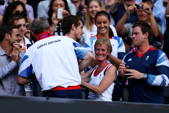 Andy Murray_of_Great_Britain_C_celebrates_with_his_mother_Judy_Murray_2R