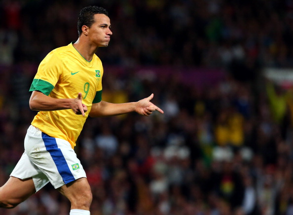 Leandro Damiao_of_Brazil_reacts_after_scoring_during_the_London_2012_mens_football_semi_final_match_against_South_Korea