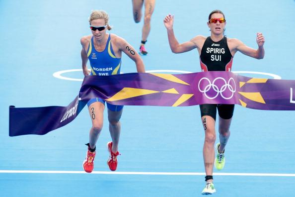 Lisa Norden_of_Sweden__Nicola_Spirig_of_Switzerland_in_London_2012_womens_triathlon