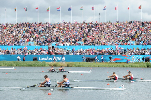 London 2012_rowing_in_front_of_grandstands