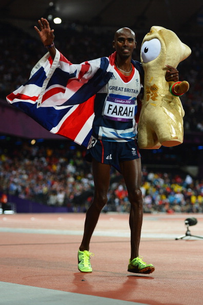 Mo Farah_and_golden_Wenlock_4_August