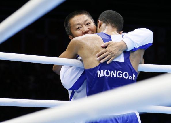 Munkh-Erdene Uranchimeg_celebrates_victory_over_Tom_Stalker_London_2012_August_8_2012