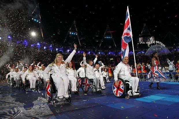 Team GB_Paralympic_squad_enter_Olympic_Stadium_August_29_2012