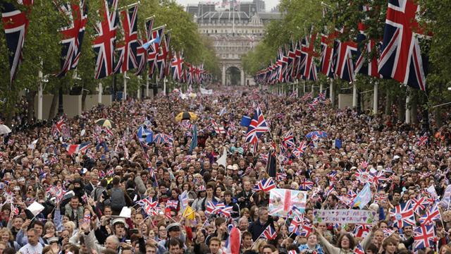 gb victory_crowds_08-08-12