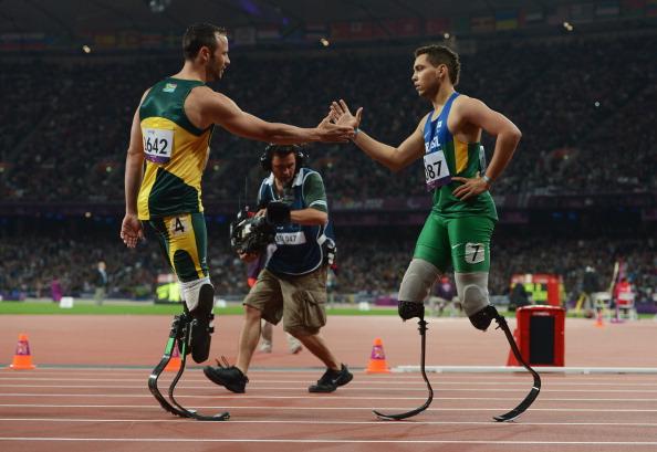 Alan Fonteles_Cardoso_Oliveira_and_Oscar_Pistorius_2_2_Sept