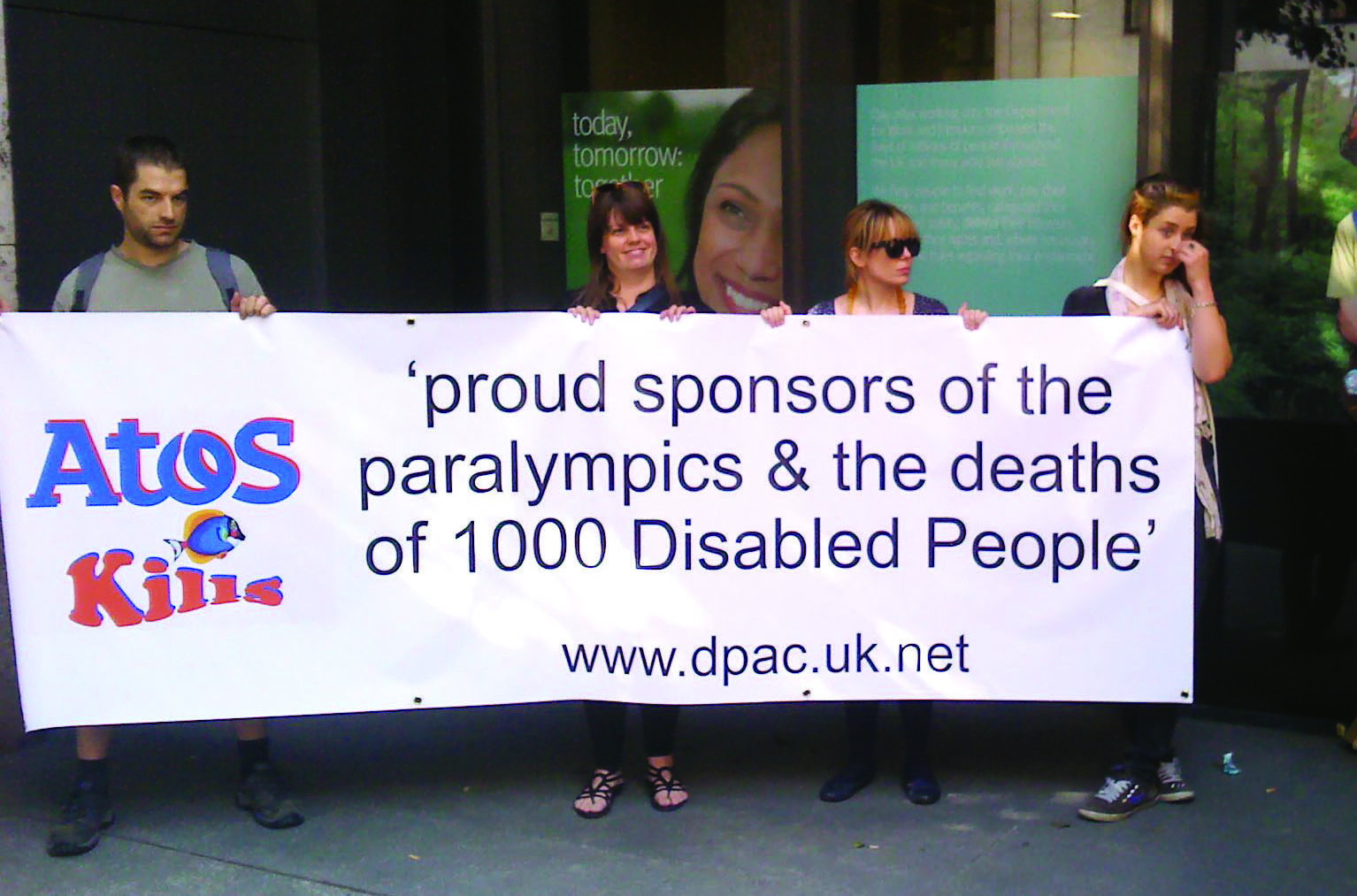 Atos protestors_at_London_2012_Paralympics