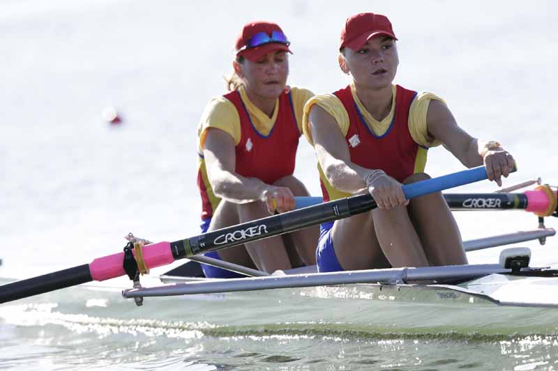 Camelia Lupascu_b_and_Nicoleta_Albu_s_of_Romania_racing_in_the_heats_of_the_womens_pair_at_the_2012_European_Rowing_Championships