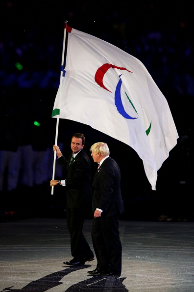 Eduardo Paes_with_flag_next_to_Boris_Johnson_September_9_2012
