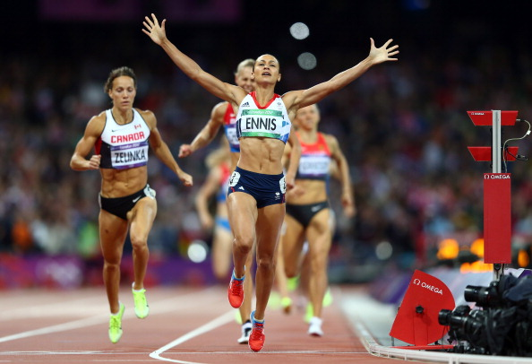 Jessica Ennis_crosses_the_line_during_the_womens_heptathlon_800m_to_win_overall_gold_on_day_eight_of_London_2012