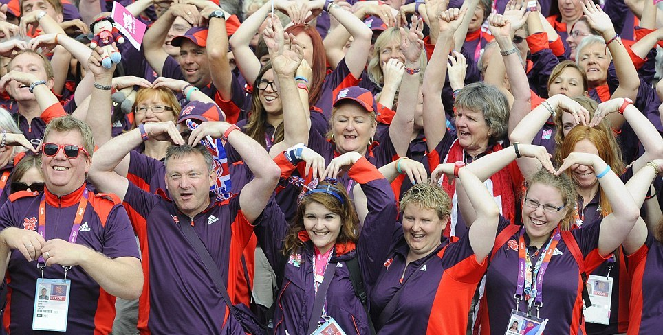 London 2012_Games_Makers_join_in_the_fun_with_a_tribute_to_Britains_double_gold_medal_winner_at_the_Olympics_Mo_Farah