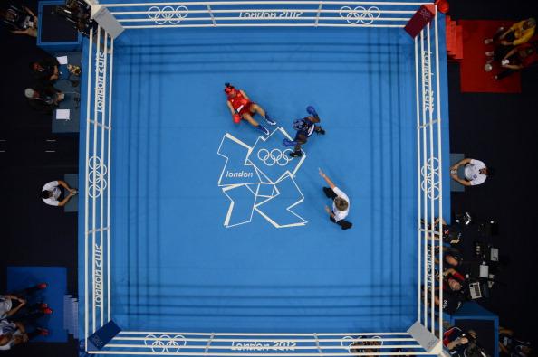 Nicola Adams_has_Cancan_Red_on_floor_London_2012_final_August_9_2012