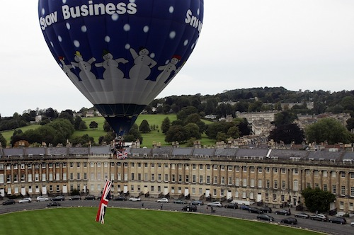 PS007 Take_off_over_Royal_Crescent