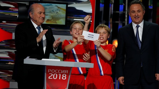 Sepp Blatter_and_Vitaly_Mutko_at_announcement_of_Russia_2018_host_cities_September_29_2012
