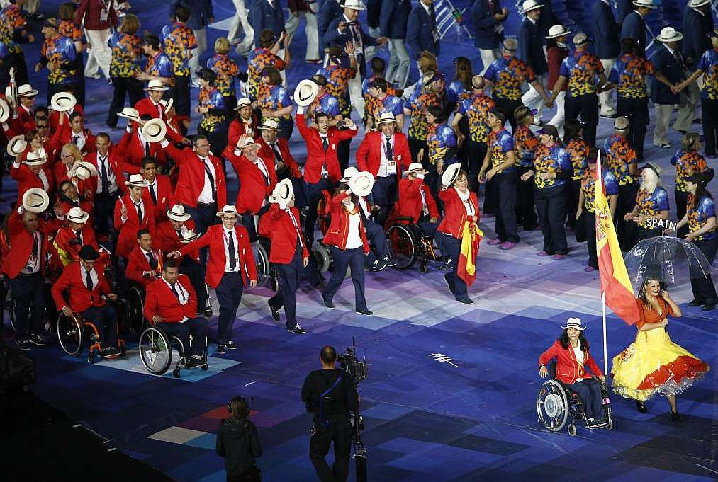 Spanish team_marching_in_London_2012_Paralympics_Opening_Ceremony