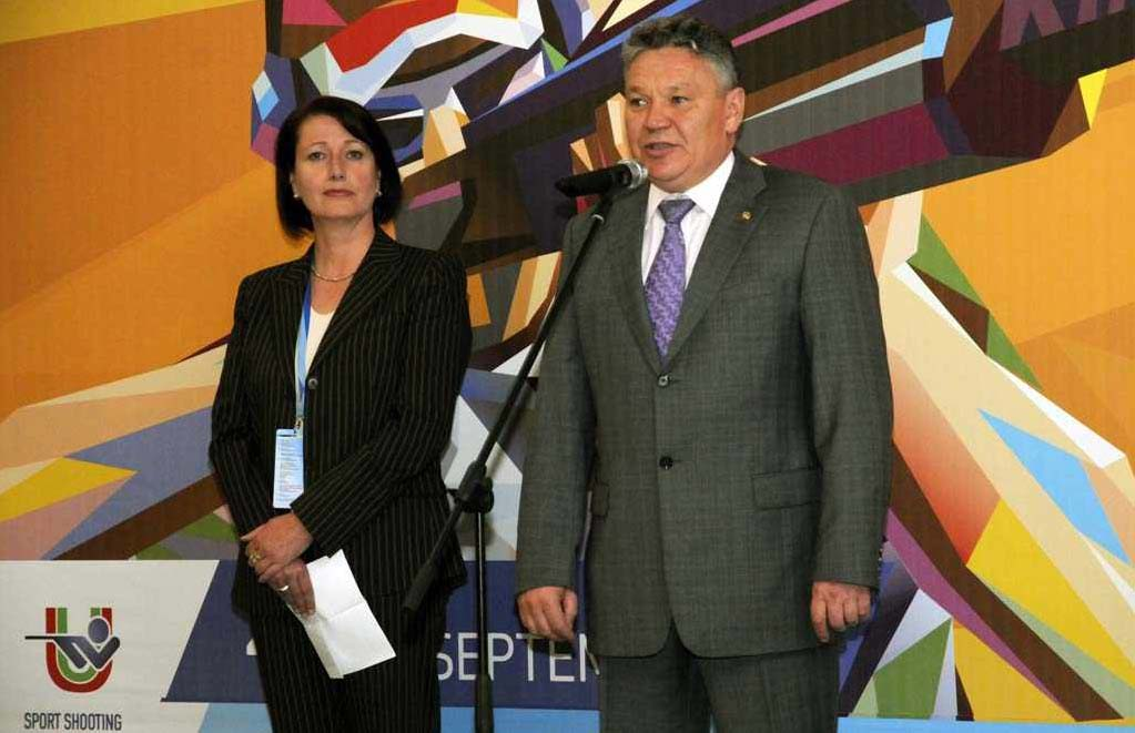 Universiade Verena_Burk_and_Rafis_Burganov_Sept_14